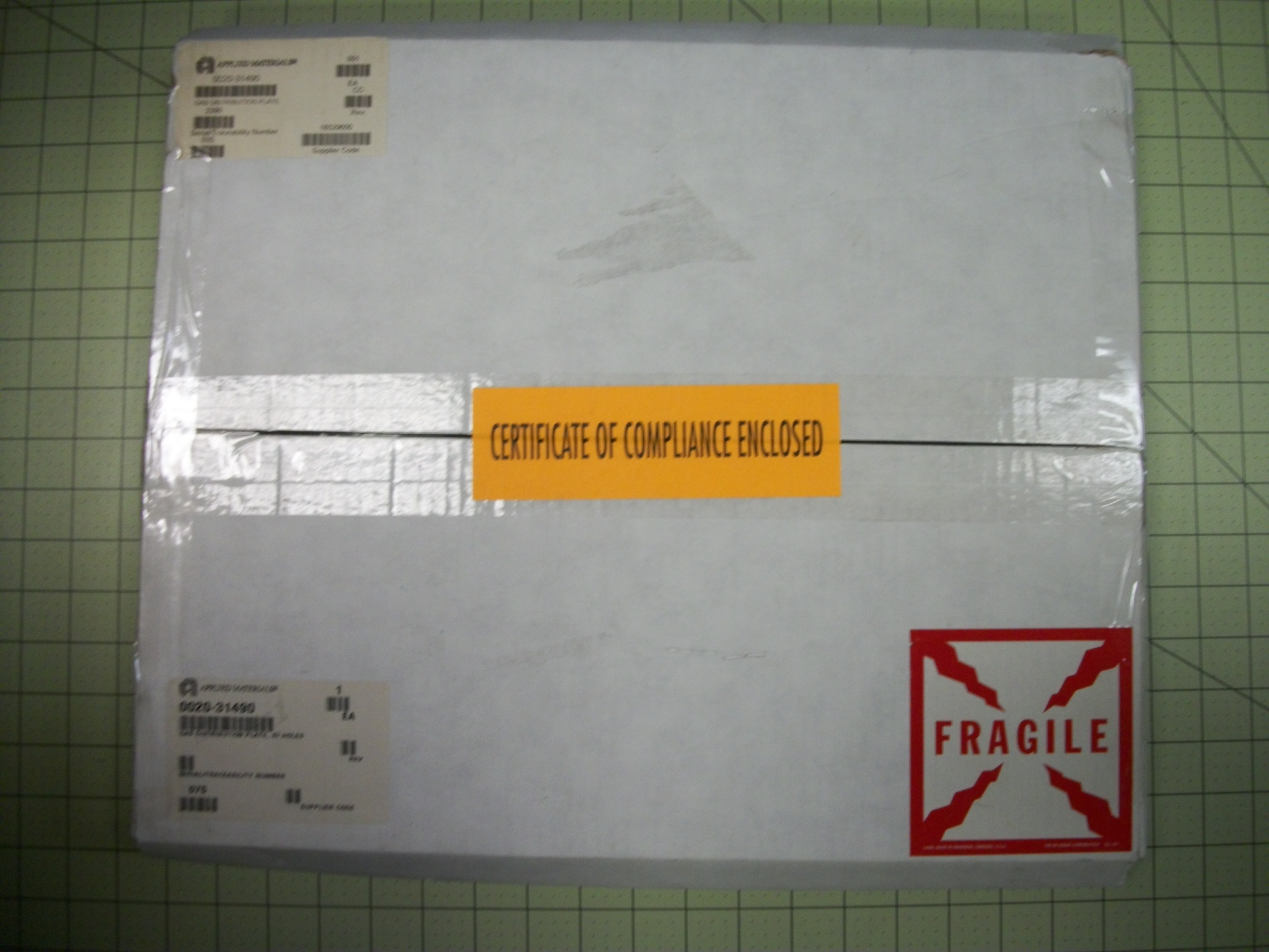 Gas distribution plate